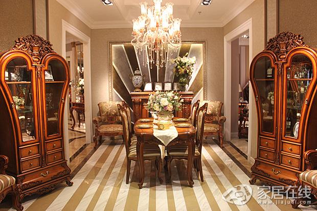 著名的欧美家具设计师在法国度假观光时,受到了美丽古老的塞纳河的