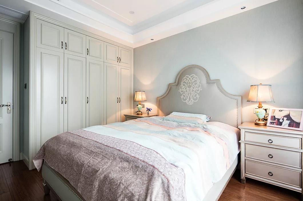 美式装修风格卧室家具搭配