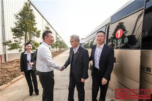 荆州市委书记、监利县委书记莅临国寿红木湖北工厂调研