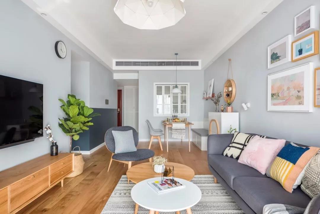 选用低矮家具增加采光