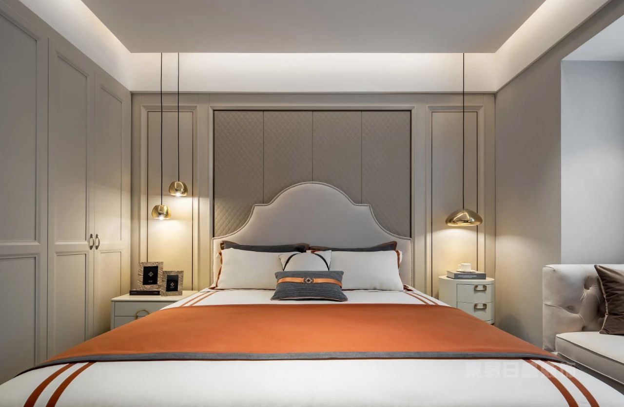现代轻奢装修风格主卧室