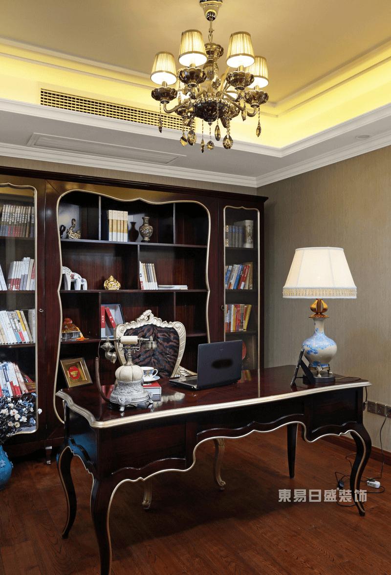 新古典风格书房实景图