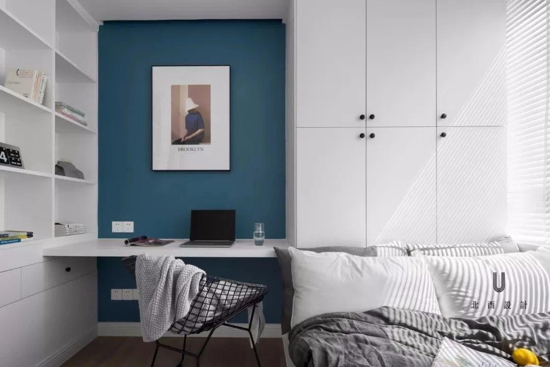 床和书桌组合图片