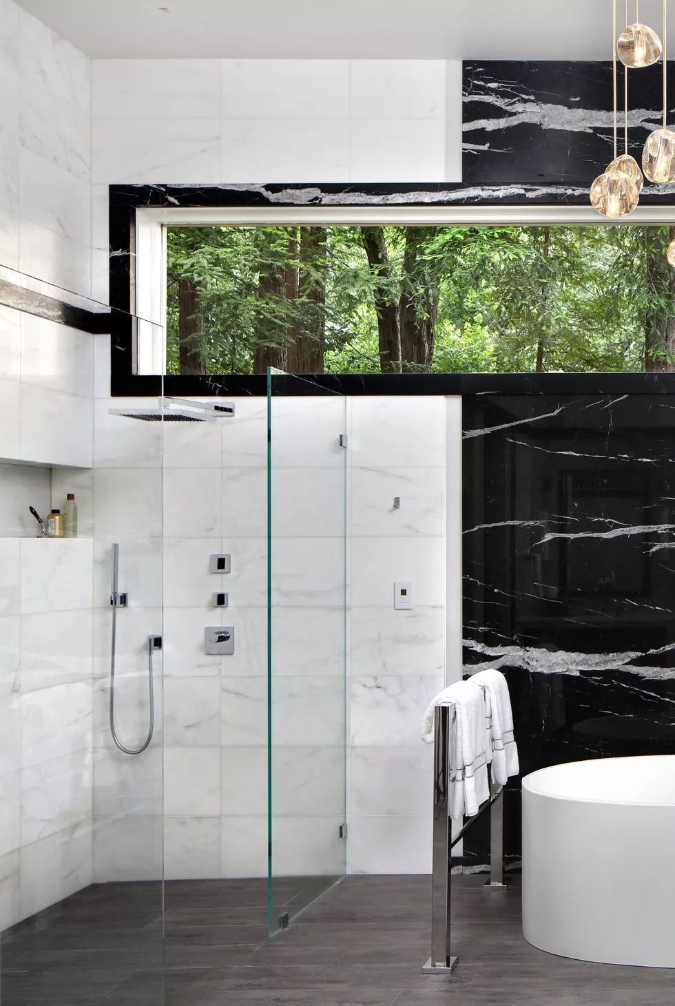 当代奢华步入式淋浴间