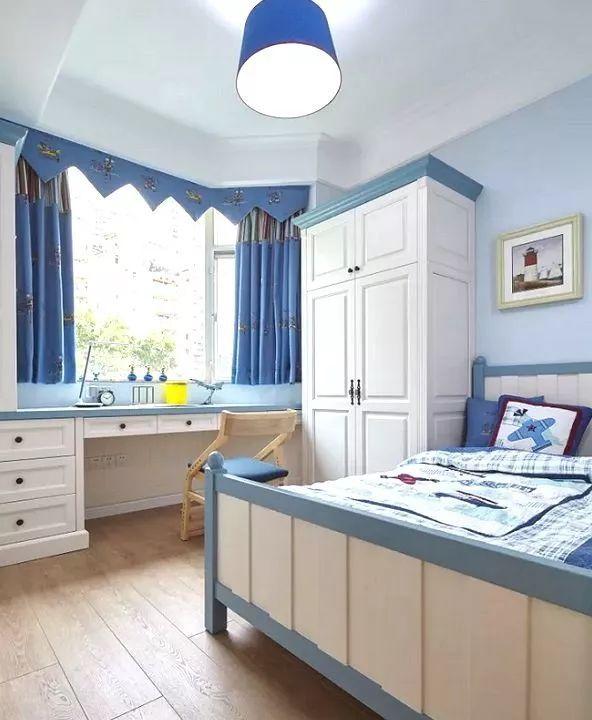 卧室整体书桌柜
