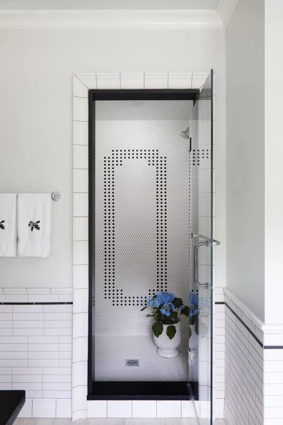 独特细节步入式淋浴间