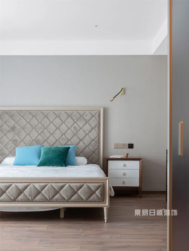 现代自然风主卧室实景图