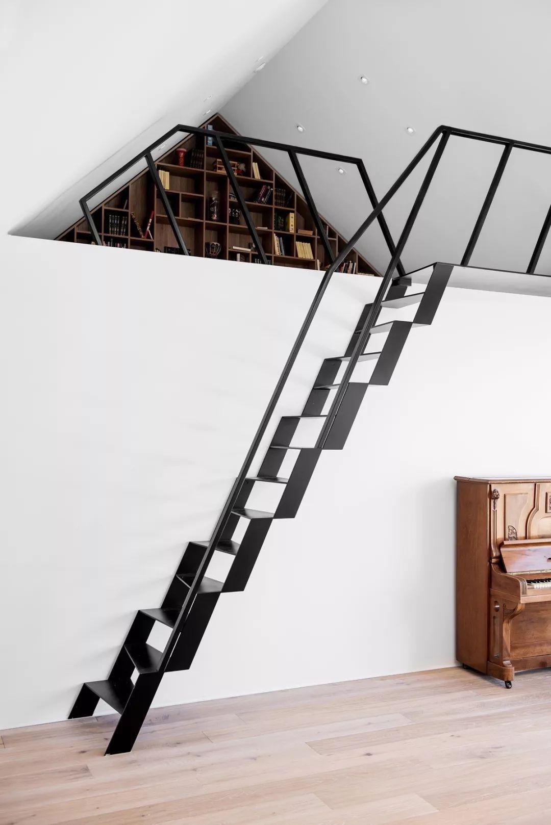 镂空台阶楼梯