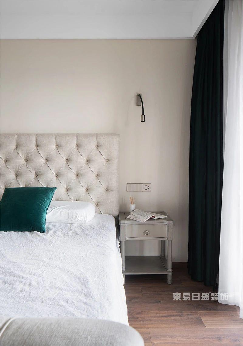 现代自然风次卧室实拍