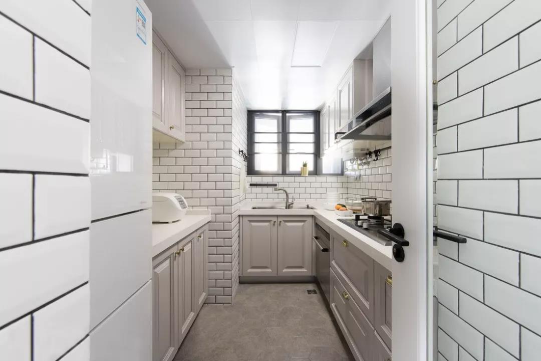 狭长型的厨房设计布局技巧?厨房装修注意事项