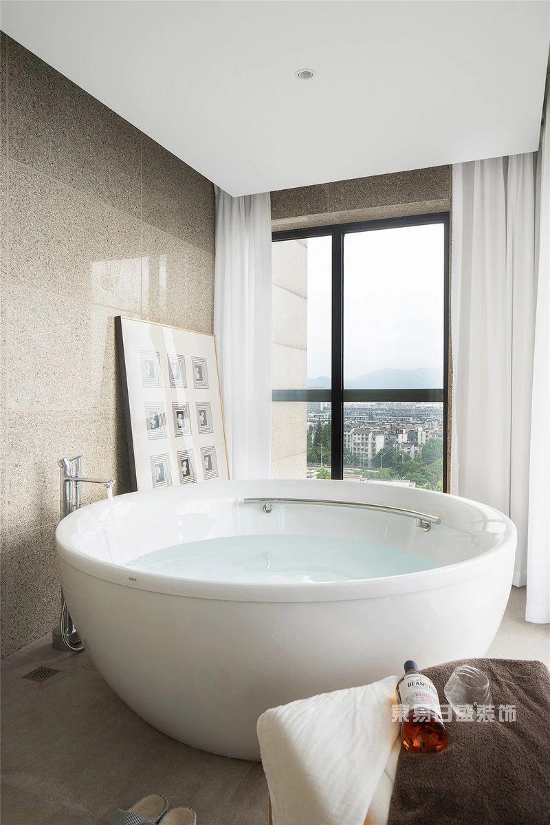 现代自然风浴室