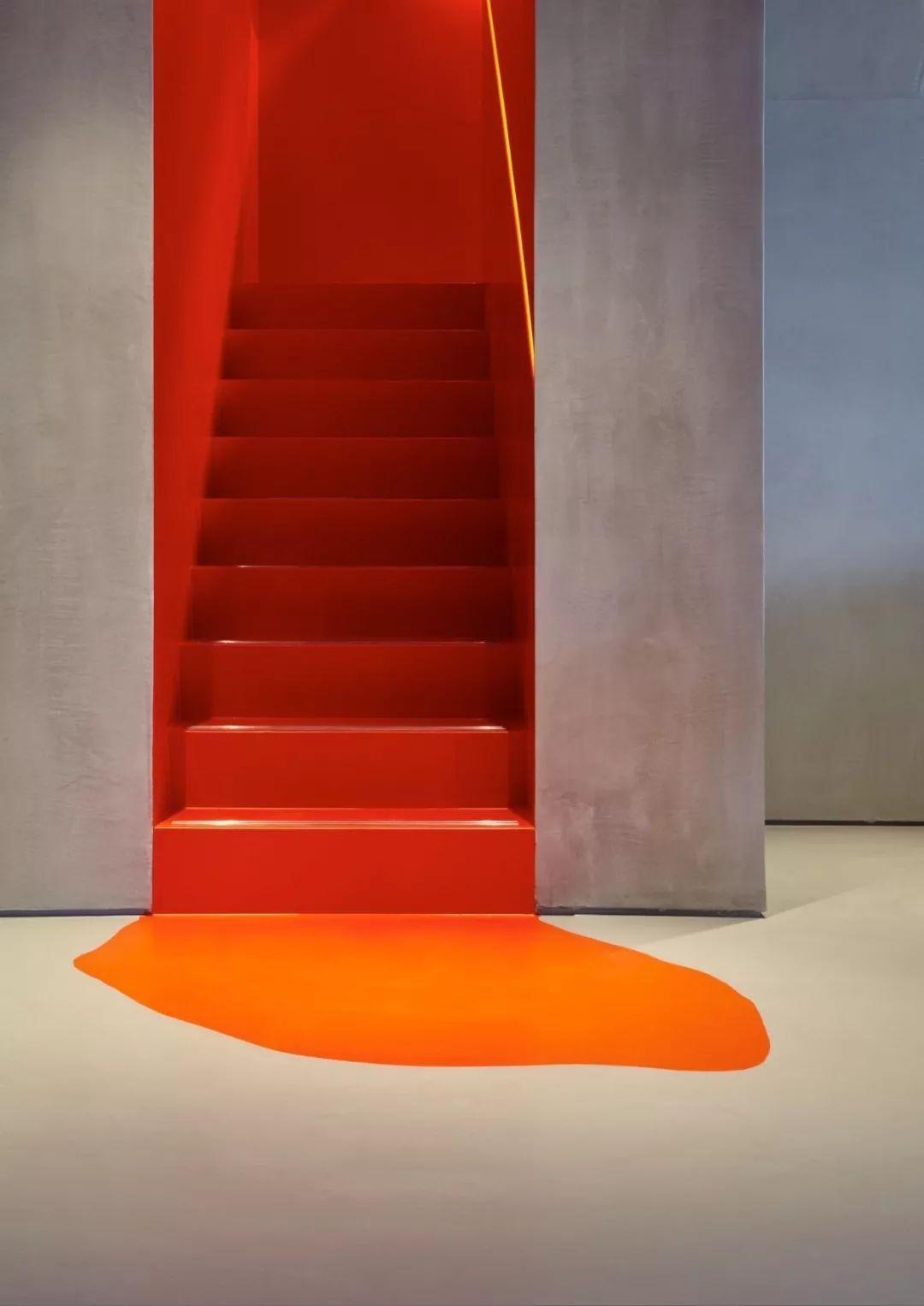 彩色楼梯装修设计