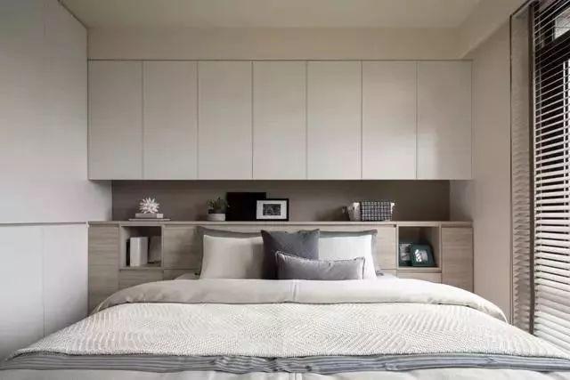 床头墙衣柜设计