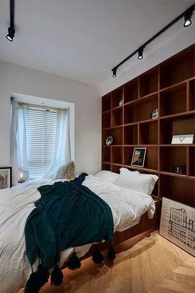 床头展示柜装修