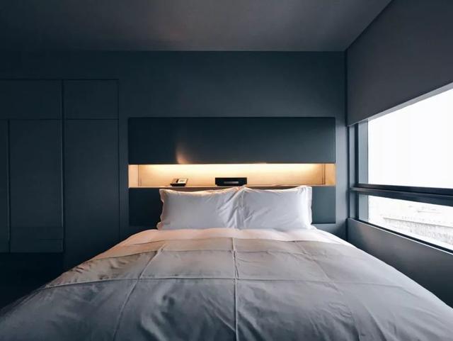 床头展示柜装饰